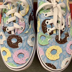 Vans Late Night Authentic Sneaker in Skyway/Donuts